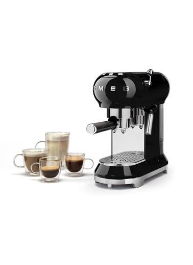 Smeg Siyah Kahve Makinesi Siyah